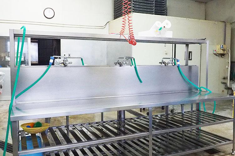 鮮魚の加工室